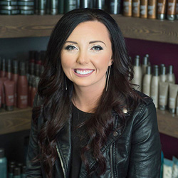 Rae has been an industry professional since 2013 and is dedicated to honoring her craft. Passionate about all forms of art and design, she likes to enhance her guests' natural beauty with her unique, artistic sensibilities.