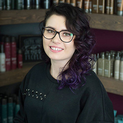 Shannon received her cosmetology license at Pivot Point Academy and specializes in makeup, Surface Core Cutting, balayage, and custom color. As a stylist, she strives to help guests express themselves and boost their confidence.