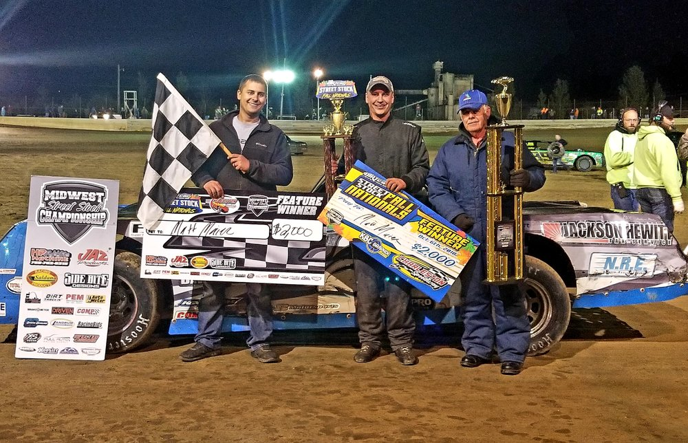 Matt Maier and crew in Victory Lane after an exciting Fall Nationals victory.  Bryce Graves Photo