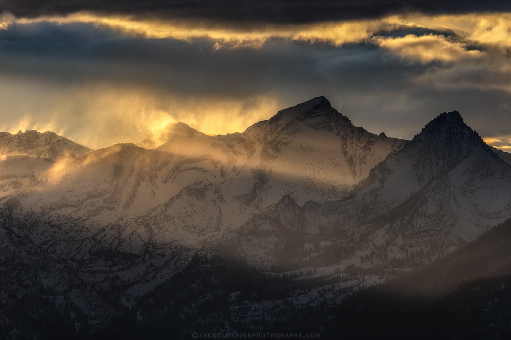 """MOUNTAIN LIGHT"""