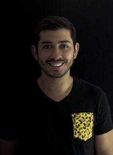 Daniel Quirós    CMO   Gerente de mercadeo con experiencia en herramientas digitales apasionado por el desarrollo tecnológico y la innovación.