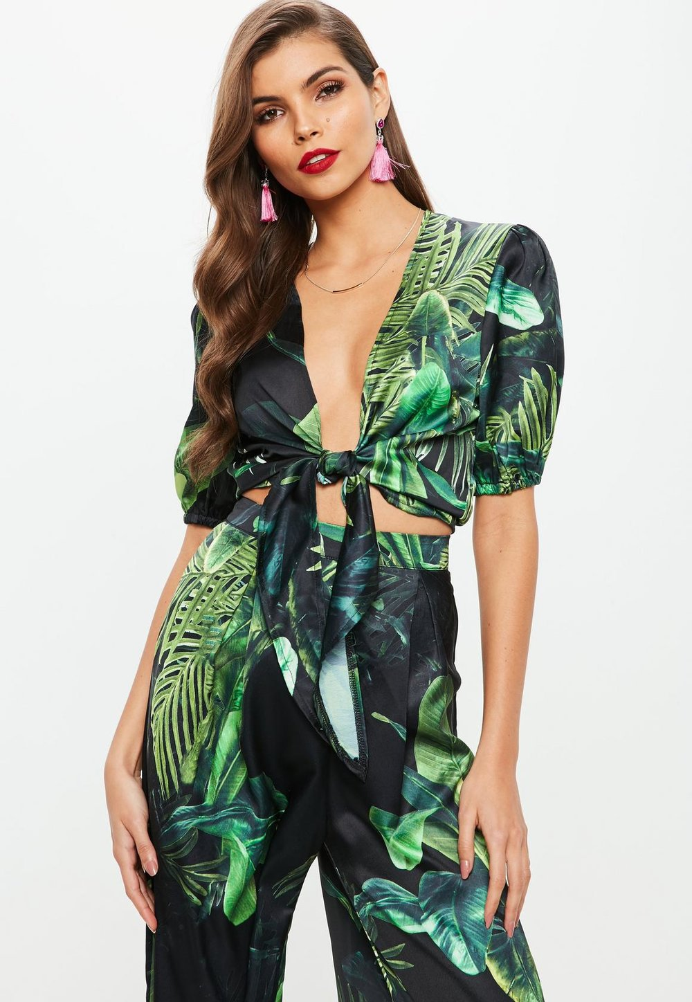 Green leaf co-ord - This beautifully vibrant palm printed top & bottom from MissGuided would be a perfect addition to your Spring/Summer wardrobe You can wear the pieces together or separately, opting for a simple white tee with the pants or go a little more bold and add some stripes!