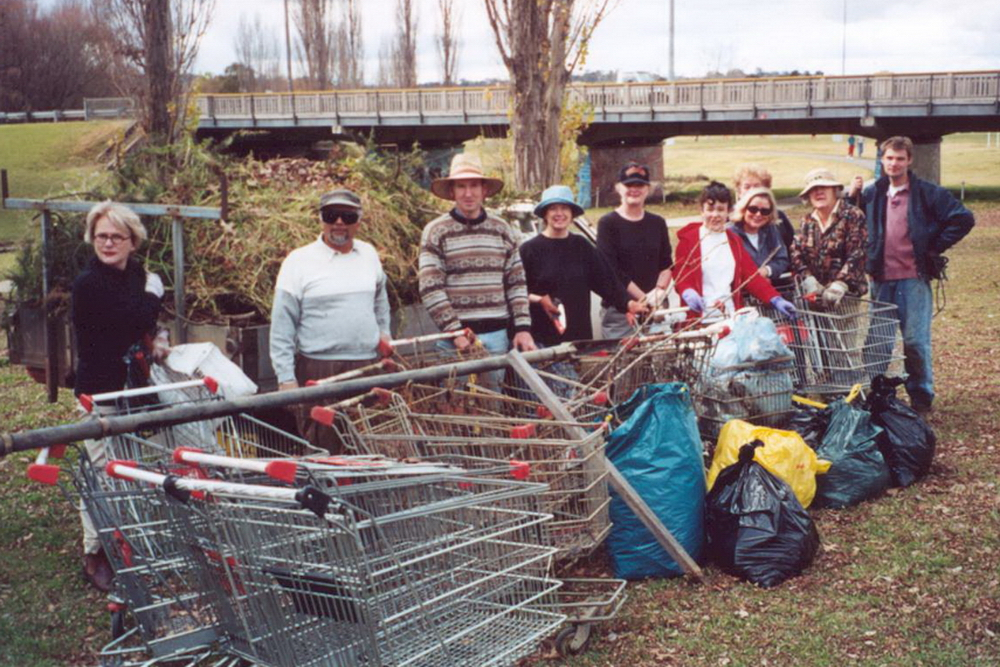 A good Harvest! - 2002 Volunteer group