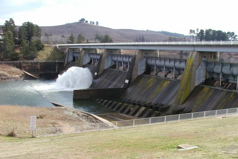 Scrivener Dam which holds back the waters of Lake Burley Griffin fed by water from the Molonglo River. Note the fish belly flaps that automatically roll open when the water level rises. This dam wall has not been breached since the Lake was filled in 1964.