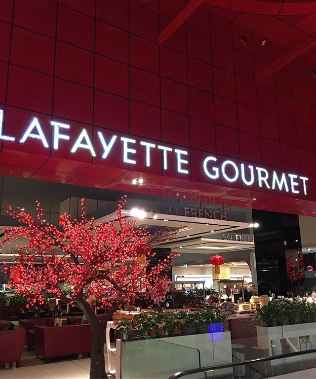 Store visits in Dubai @lafayettegourmet • • #dubai #uae #trademission #justjelly #business #work #condiment #export #luxury #food