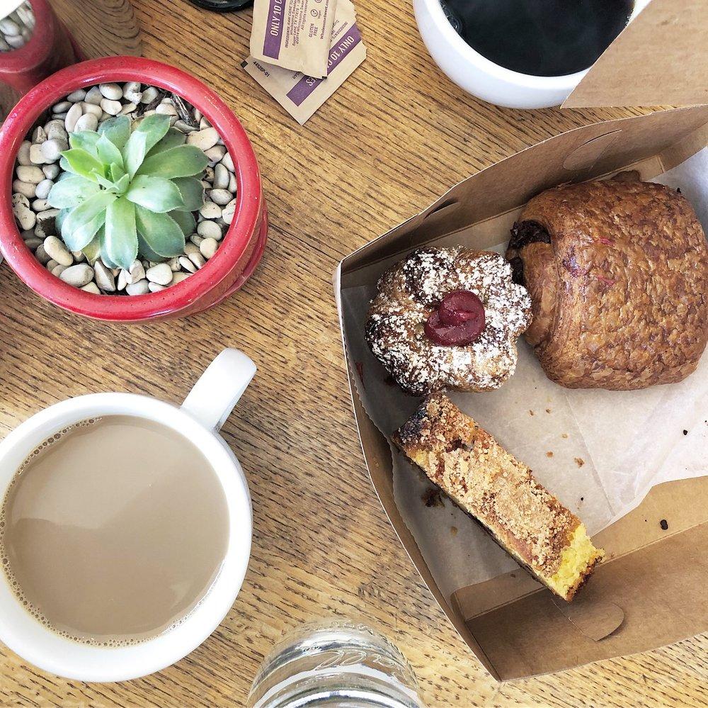 Kouign Amann Strawberry Cup, Pain au Chocolat, Blueberry Pound Cake. With Coffee. Huckleberry Café. Santa Monica. 2018.
