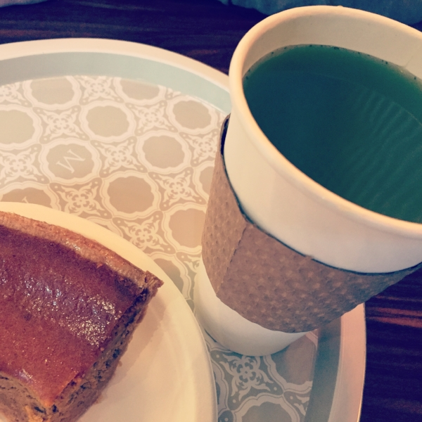 My favourite pumpkin pie and matcha tea ;)