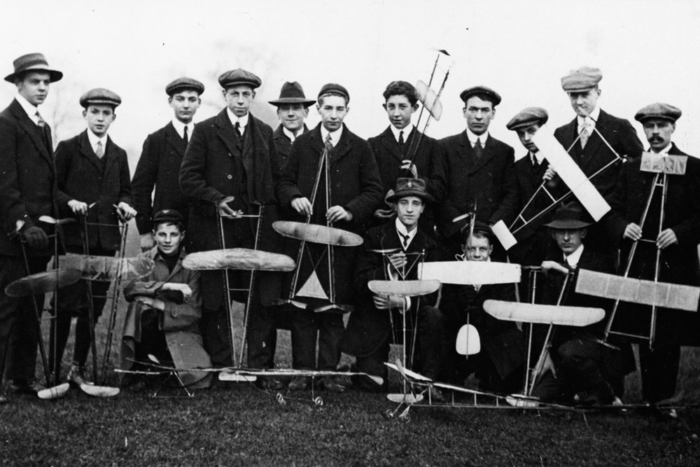 Early model flying enthusiasts. 1912.
