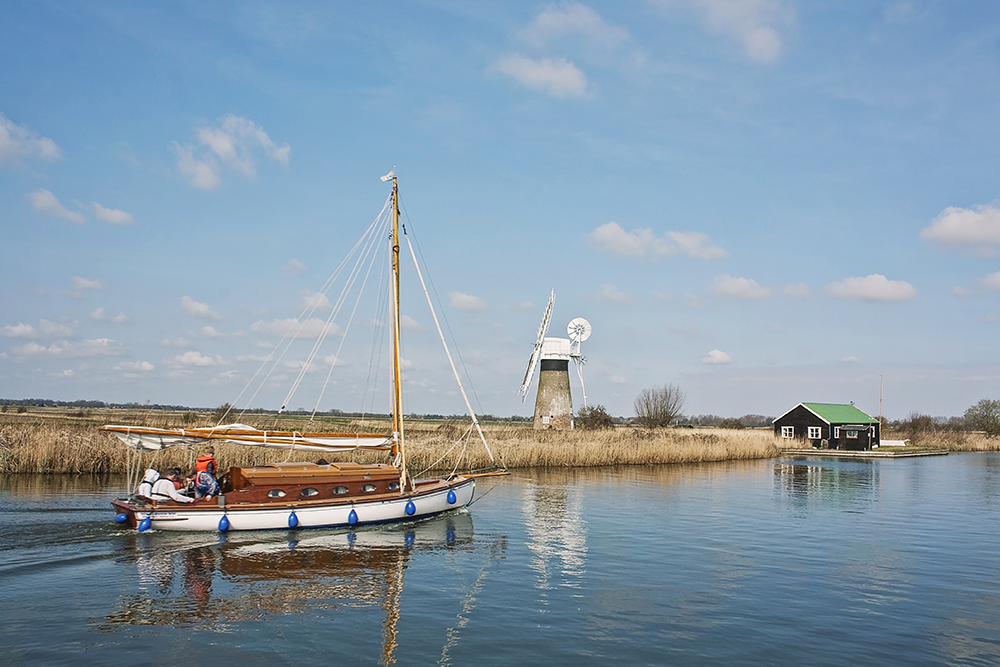 thurne mill.jpg
