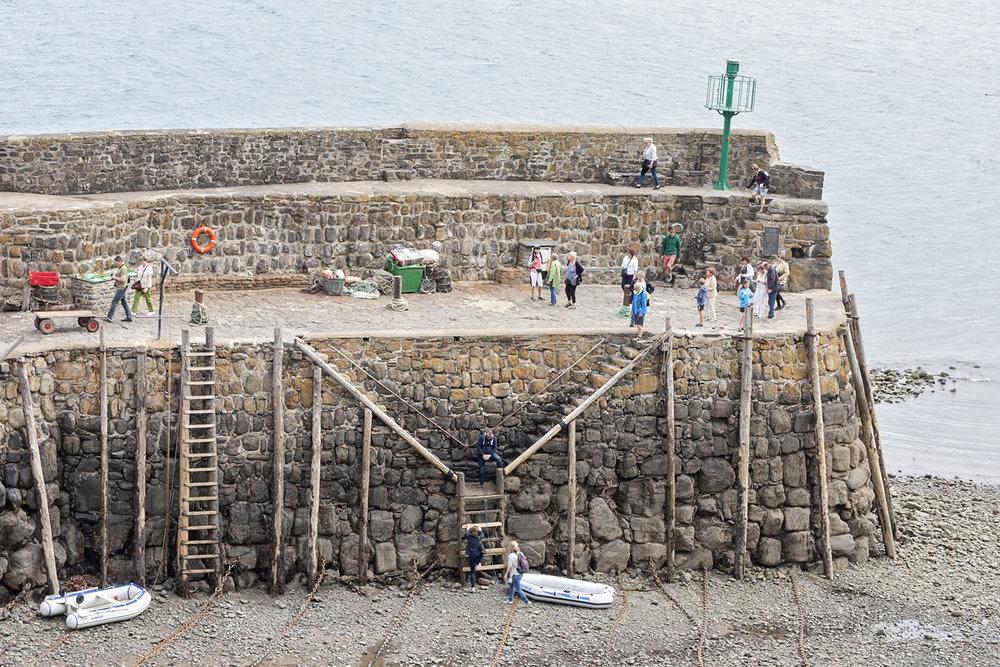 clovelly harbour_2.jpg