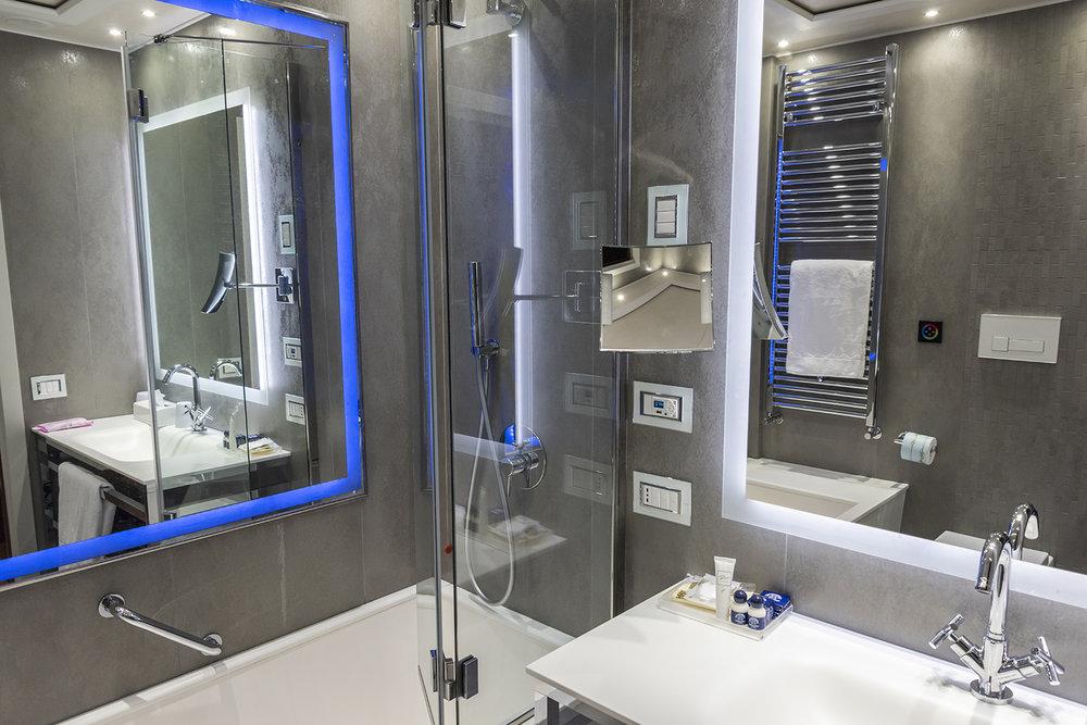 santa chiara hotel bathroom.jpg