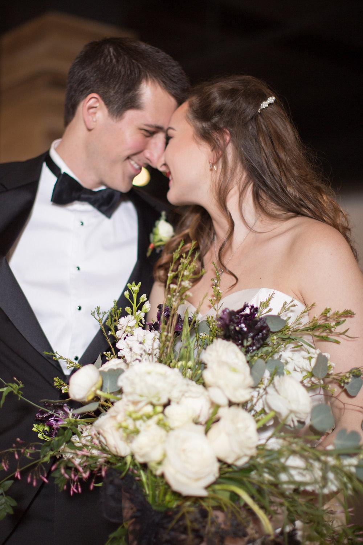 EmilyAnnPhotography_AJAX_Modern_Chic_DC_Wedding-25.jpg