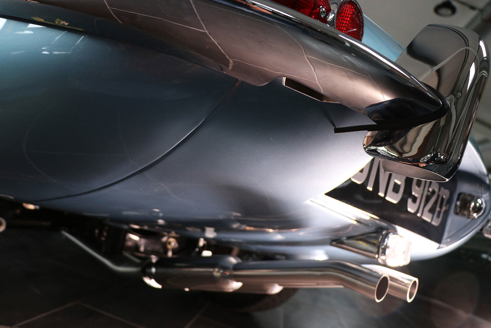 1966_opalescent_silver_blue_Jaguar_Sayer_etype_series _I_7_resized.jpg