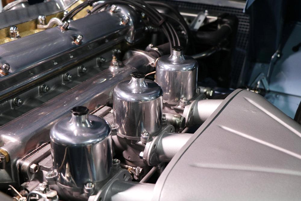 1966_opalescent_silver_blue_Jaguar_Sayer_etype_series _I_22_resized.jpg