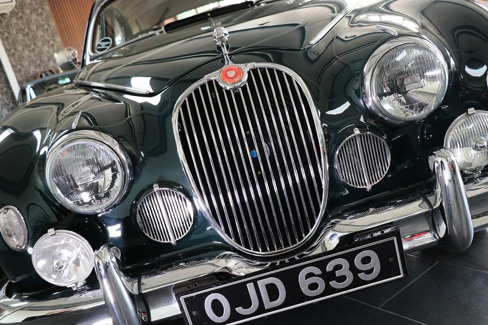 1959_Jaguar_Mark 1_sayer selection_duncan hamilton_lady cheatham_14_web.jpg