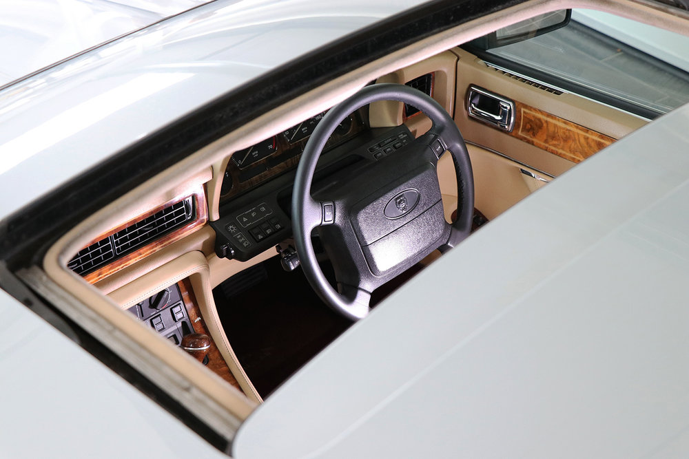 1994_Jaguar XJ40_V12_6 litre_silver_Daimler_Sayer Selection 3 web.jpg