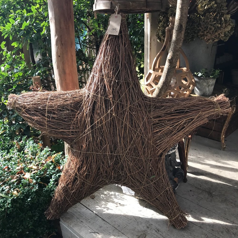 Large Willow Star - £75.00  his willow star is literally AMAZING, it look perfect infront of a fireplace, or if your walls are big enough hanging on a wall with wired lights - Dimensions - 100cm diameter / 20cm deep   www.tkandishop.com