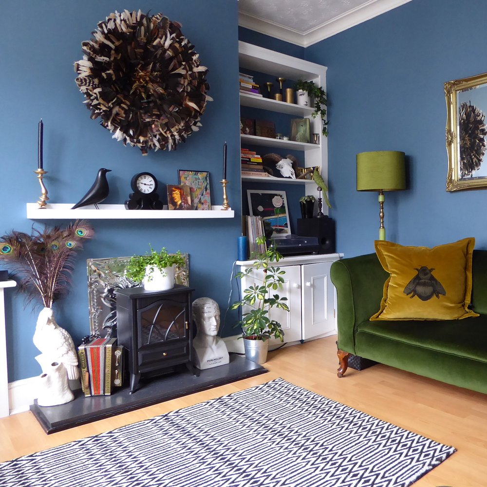 I have had the pleasure of sitting on that green sofa in Helen's amazing Sitting Room, and let me tell you its even better in the flesh! The walls are painted in   'Pebble Drift'   by Dulux   @thenewsaintly