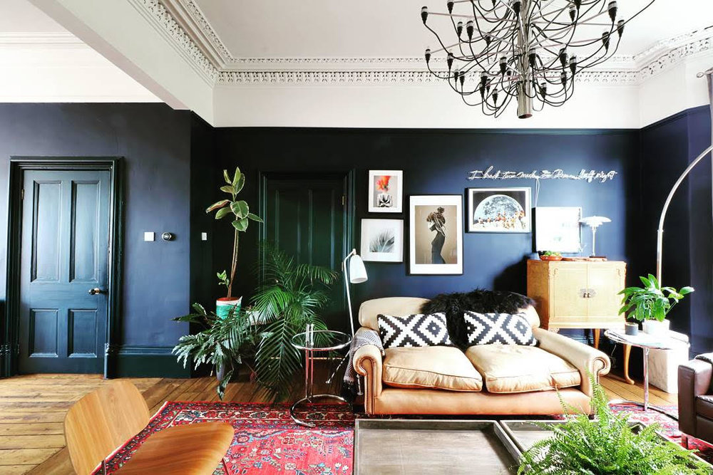 The home of Greg   @manwithahammer    is a masterclass in how to renovate and turn a former dentist surgery into a super stylish family home..... He used Little Greene '  Dock Blue'   in his sitting room, which looks fabulous against all the plants and pattern here......