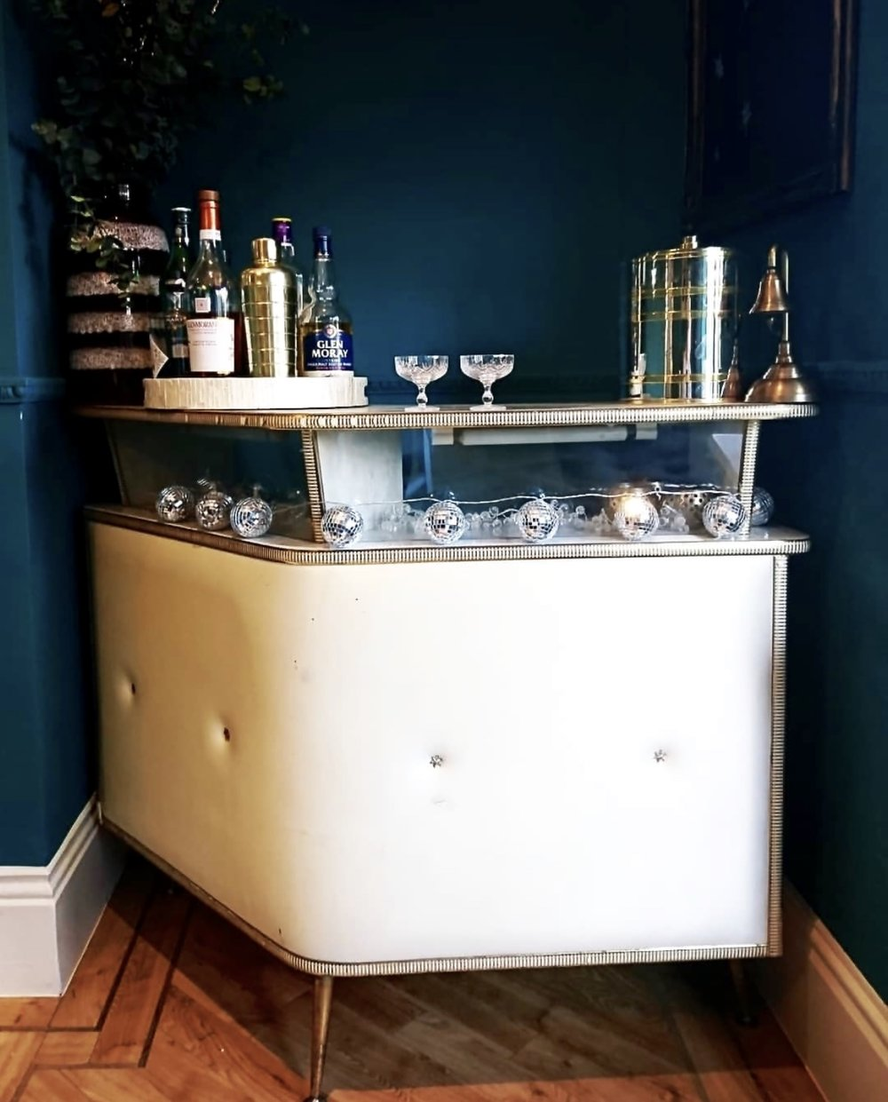 Jemma picked up this retro bar off eBay and it sits proudly in the corner of her dining room..... She tells me they've started drinking a lot of Martinis since they've had it..... I'll have mine shaken not stirred please ;)    @fikaandmooch