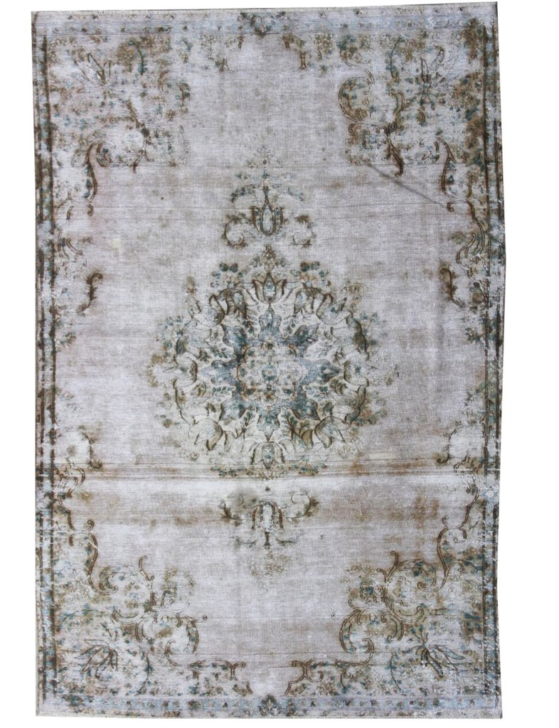 I love the muted colours in this handmade rug from The Handmade Rug Company...... One day!