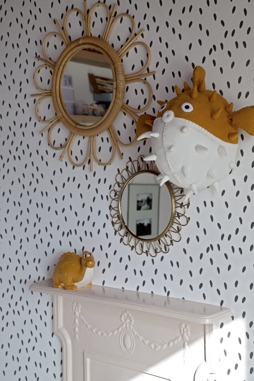 Wallpaper- 'Ella' by   Sandburg Wallpaper   ...... Cane mirror La Redoute
