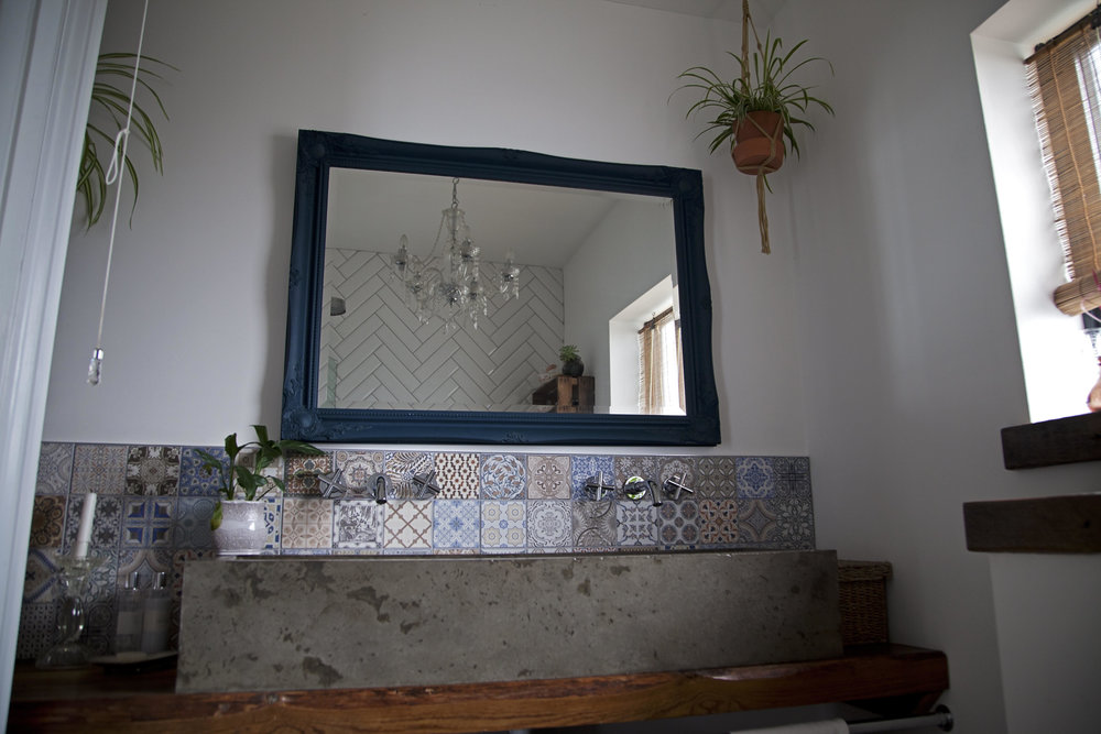 Bathroom sink bespoke from   @concretecarrot