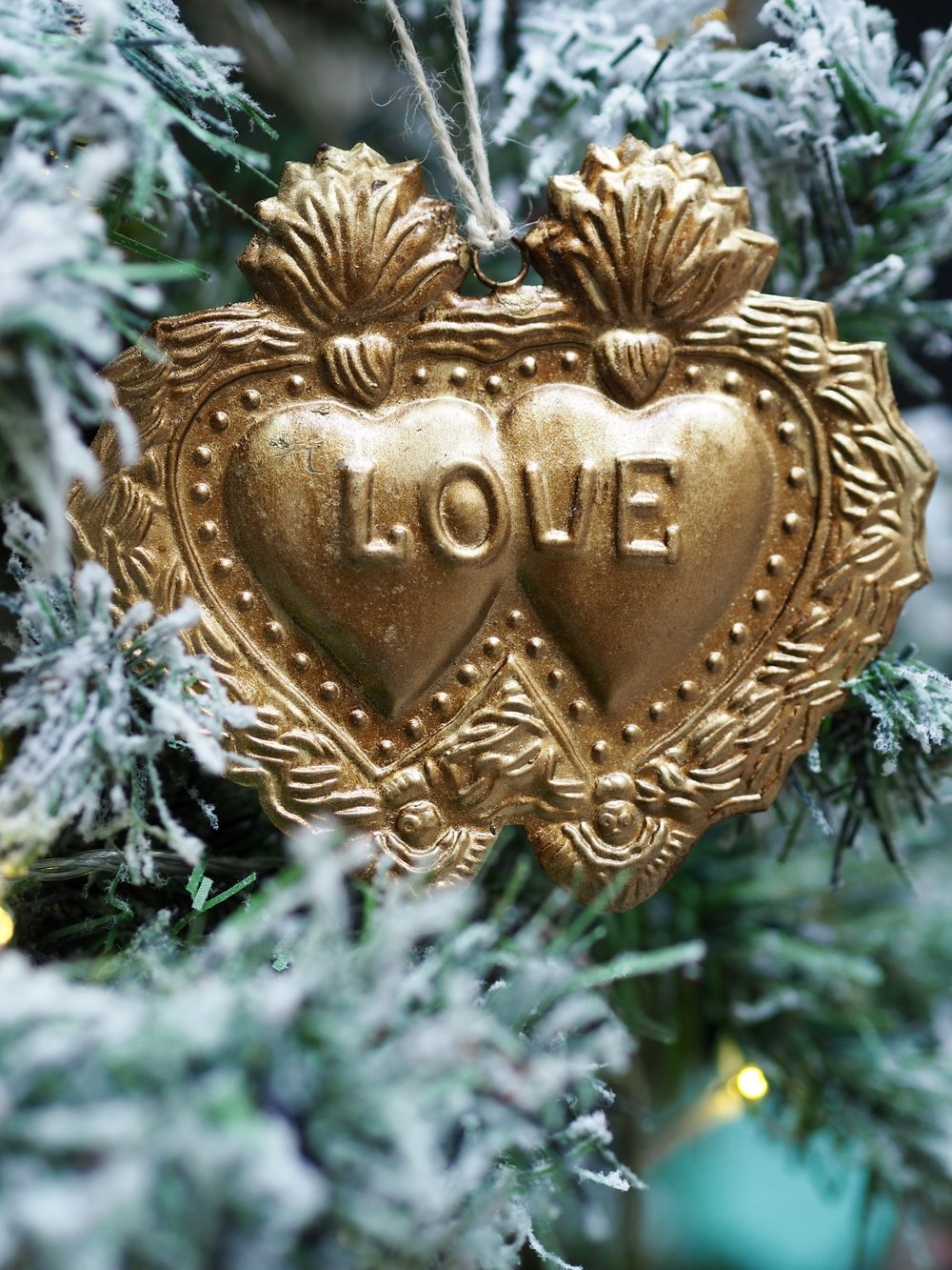 Gold Antique Love Heart Hanging Decoration