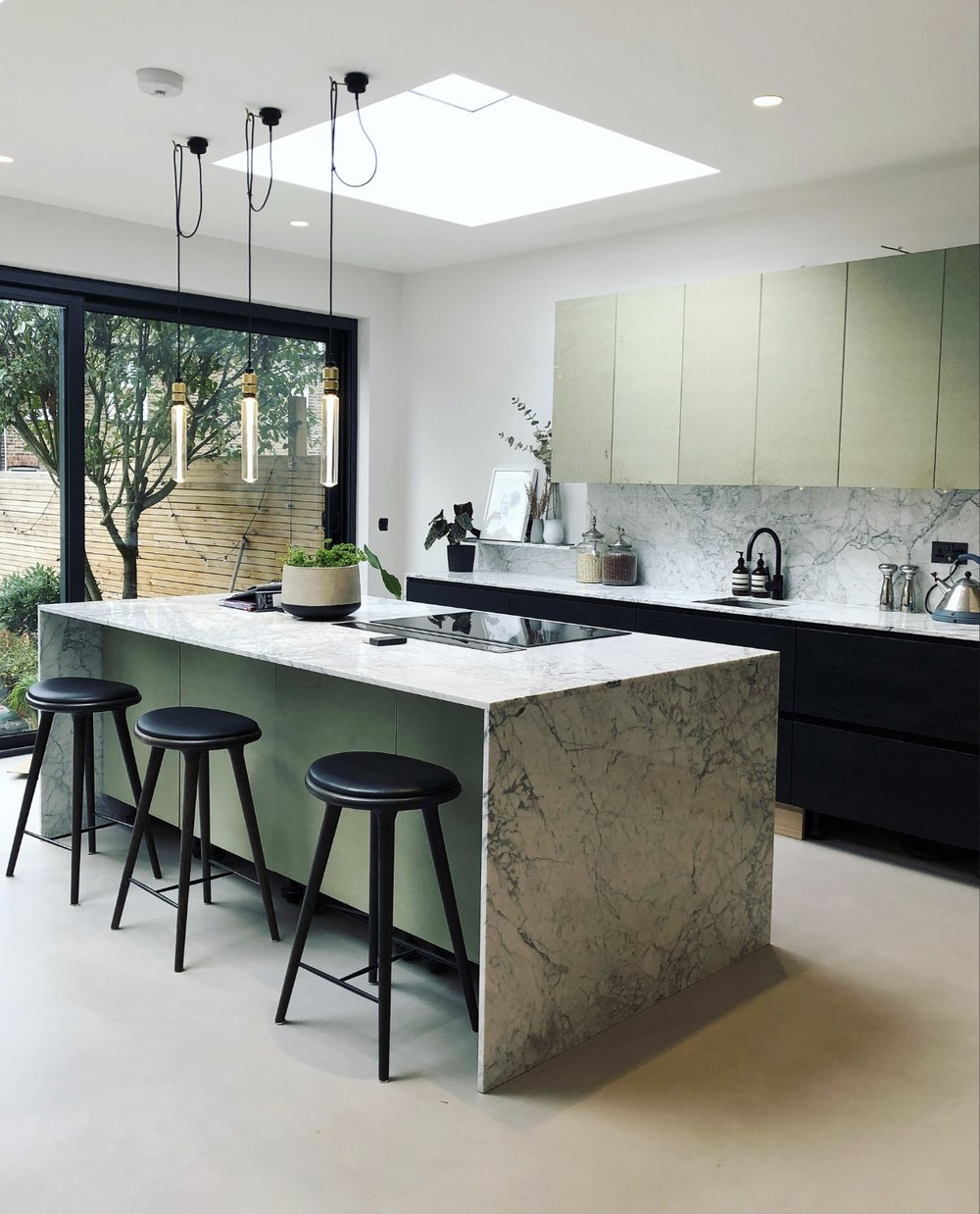 Abby's beautiful finished kitchen….. I'm dreaming of marble tops like this in our next kitchen…..