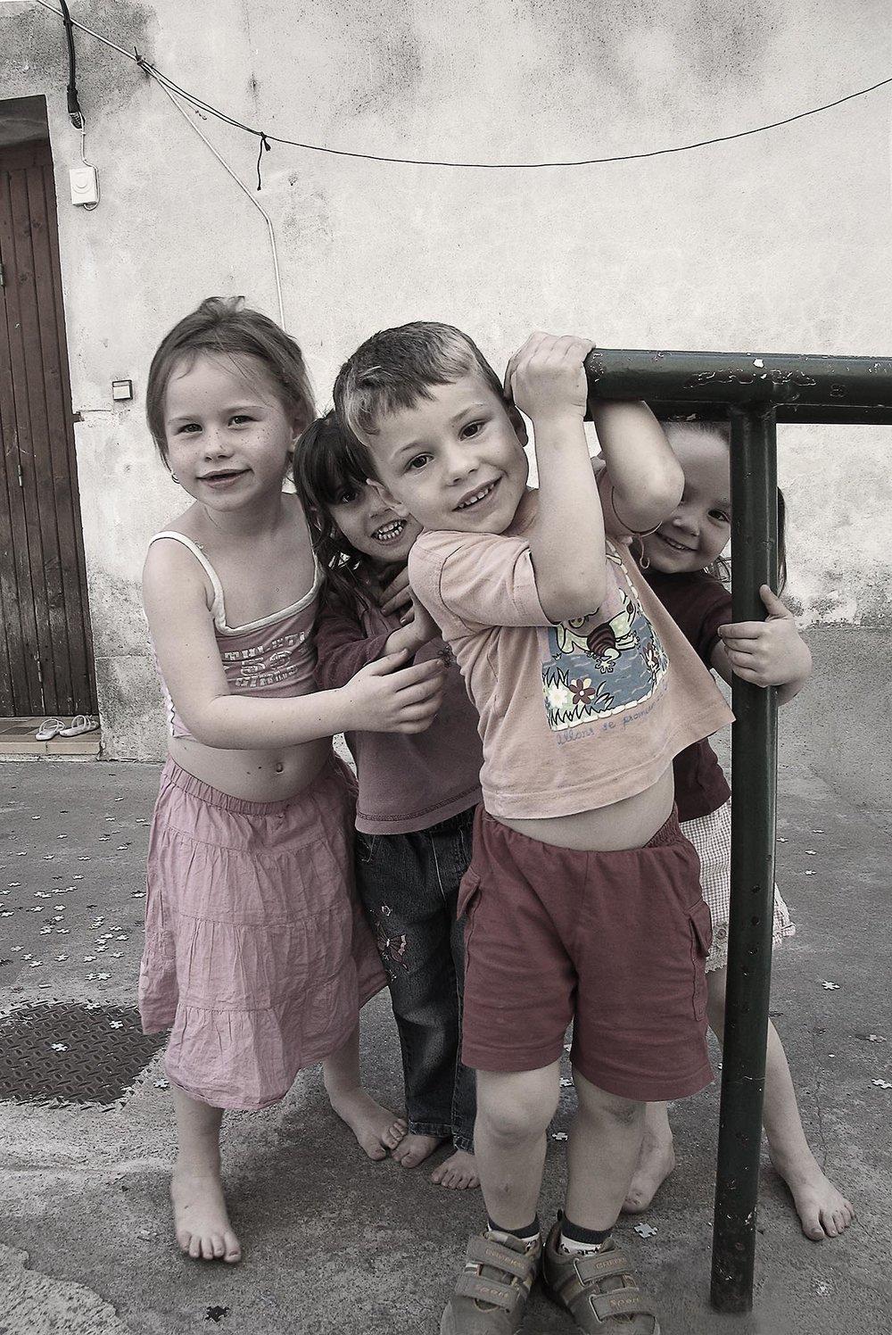 Children playing - Saint-Gilles, France