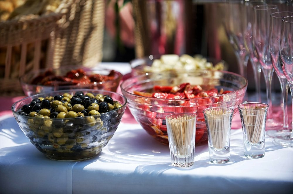 how to choose party food