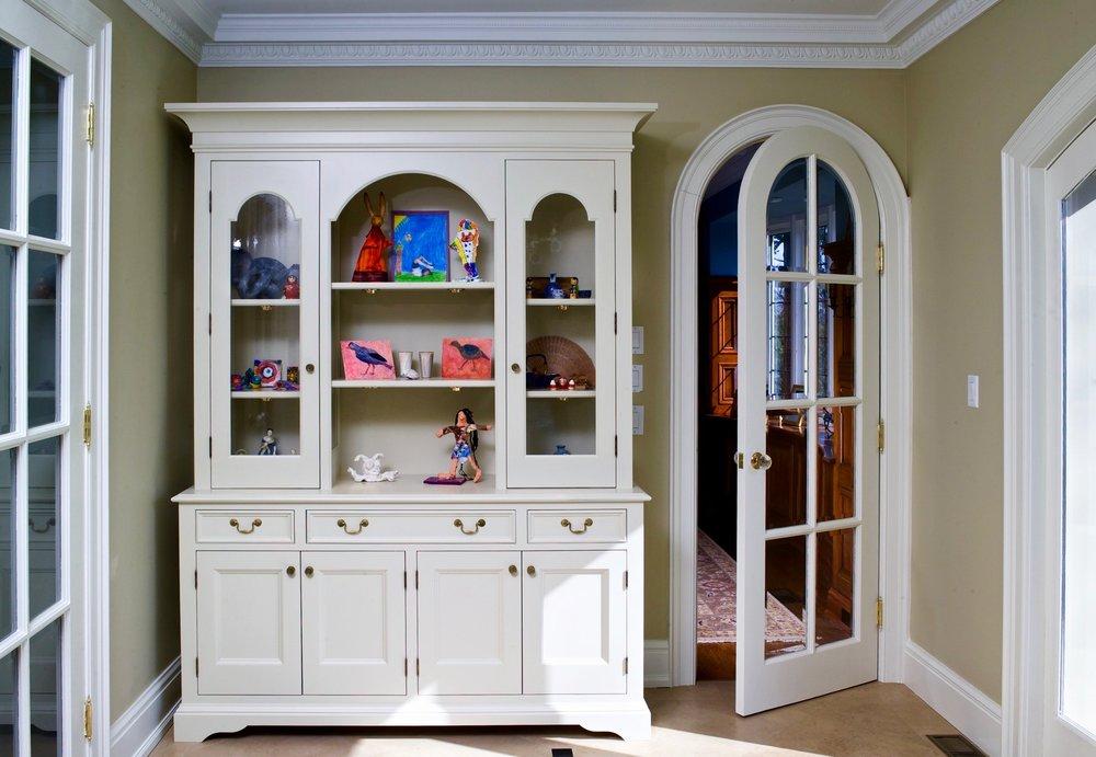 free-standing cabinet white (1).jpg