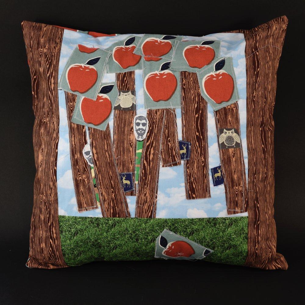 Janis-Kanter_pillows-09.jpg