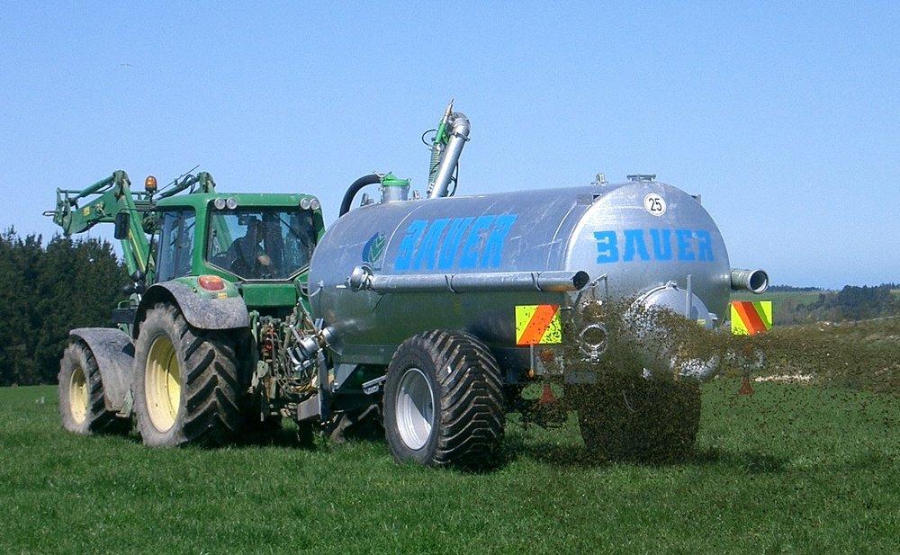 Slurry Tanker V100 015.jpg