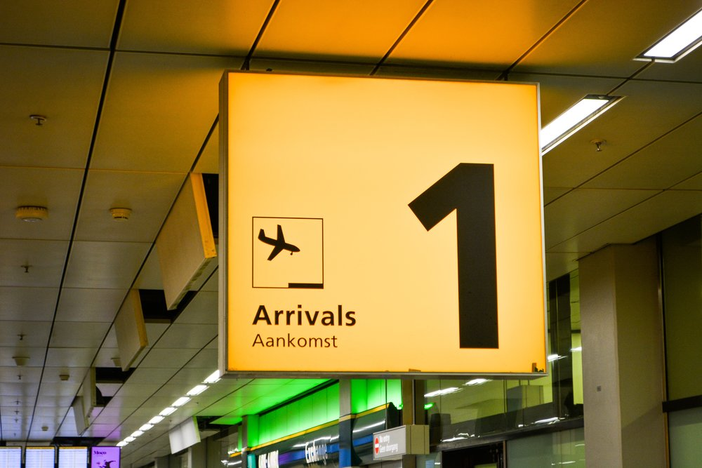 airplane-airport-arrivals-1719490.jpg