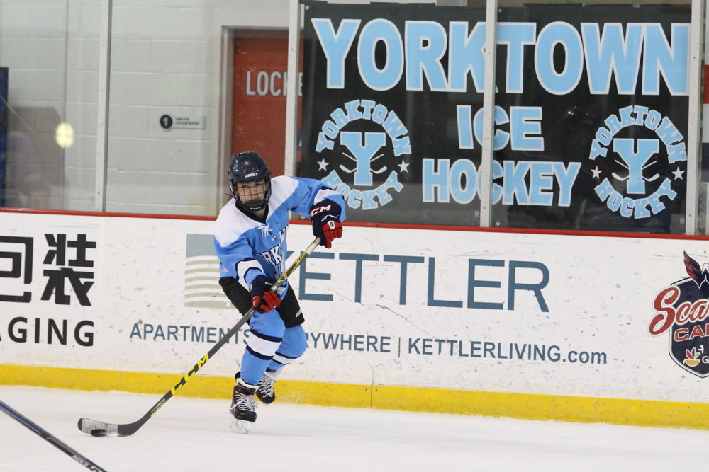 IMG_9187e Sheldon with Great Shot of Yorktown Ice Hockey Banner .jpg