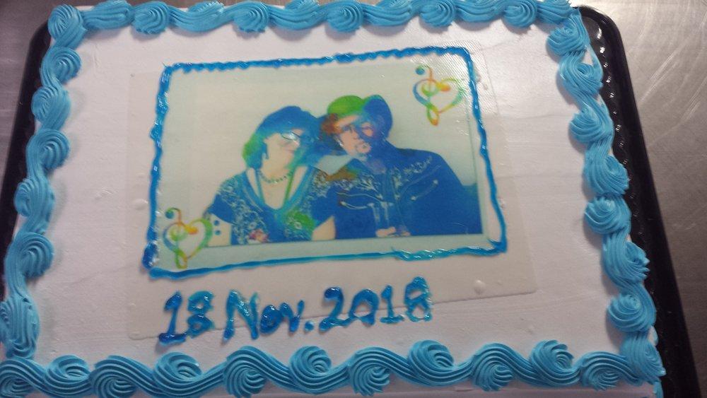 Mark-Rhonda-Cake.jpg