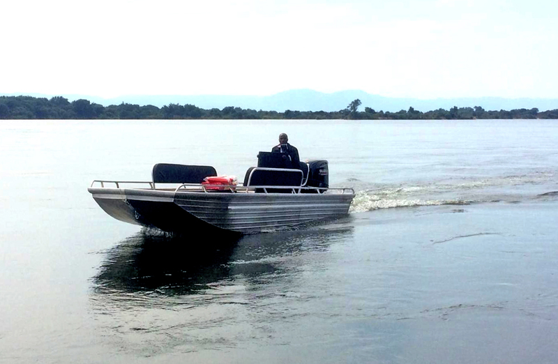 Aliboat on the Zambezi River.jpg
