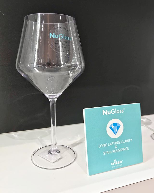 Nuglass Chicago Housewares Show Highlight ✨ • • #nuglass #officialnuglass #availableatwalmart #tritanbyeastman #unbreakable #housewares #dailyhousewares #tabletop #outdoordrinkware #stemlesswine #stemless #longlastingclarity #tritan #teal #wineglass