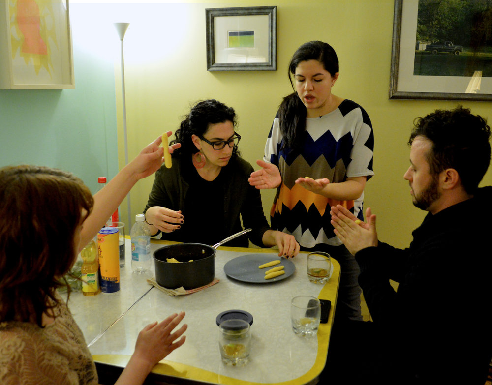 Making surillitos can be a group project. (Photo: Maria Watts)