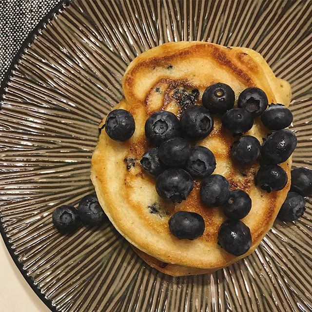 Y'all, my sister made me blueberry pancakes this morning. And my heart grew three sizes 🥰❣️❤️