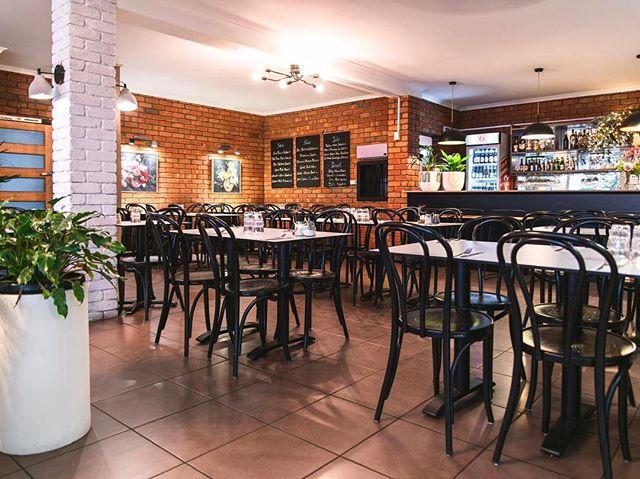 ILUKA A la carte 5.30pm start... APOLLO BAYS BEST KEPT SECRET @ilukamotelrestaurant 🦞 Seafood Asian Vegan Fusion!!!! #ilukamotelrestaurant