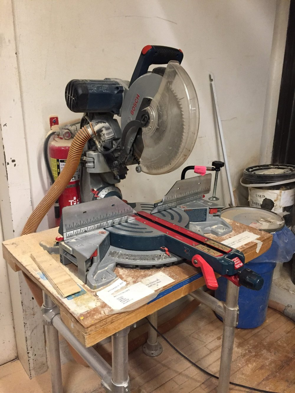 Mitter Saw