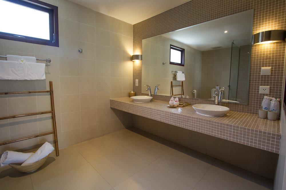 standardbathroom-websize.jpg