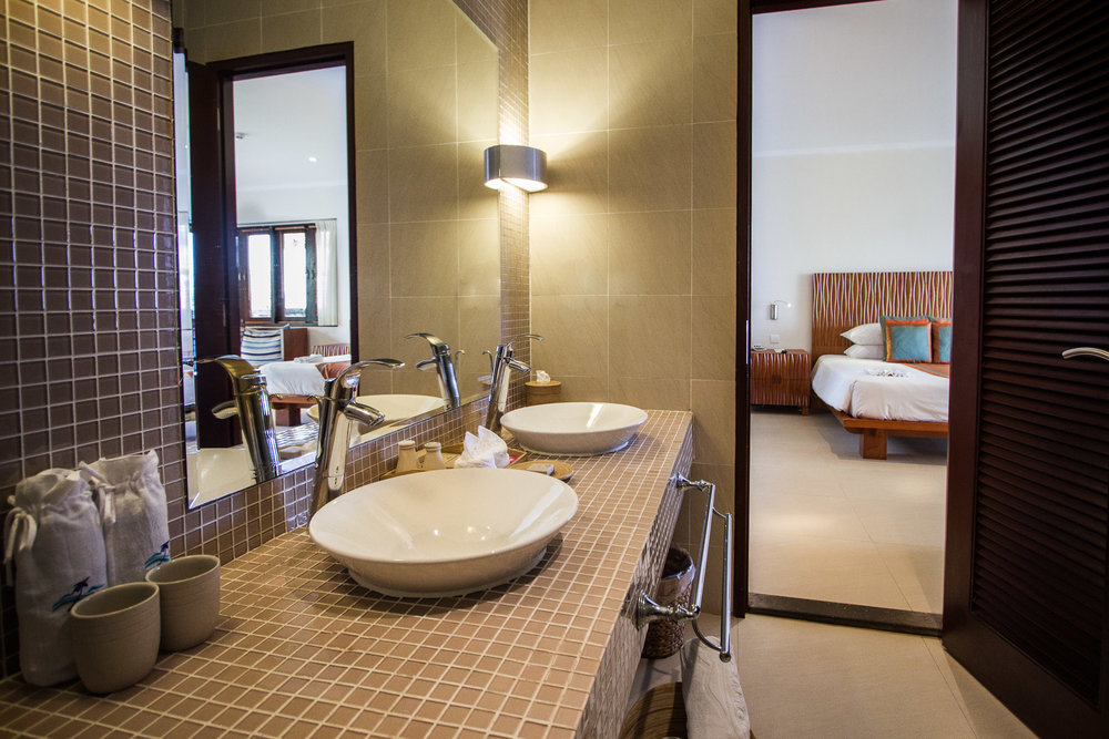 seaviewfamilybathroom1-websize.jpg