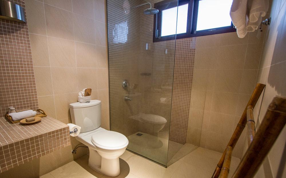 standarddouble-bathroom.jpg
