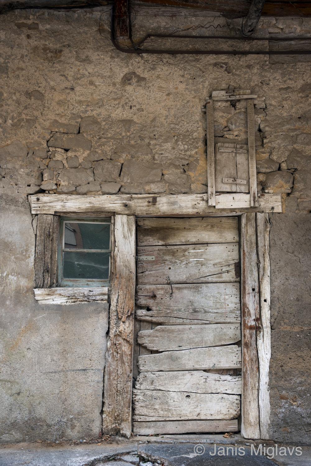 France Rustic Equisheim Entrance