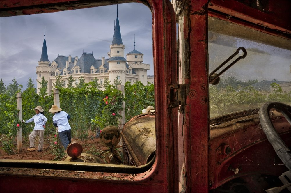 Hop in. Plenty of room in my car. We'll head to the first Chinese winery I photographed.