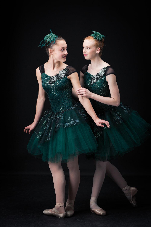 Ed Dancers 2 208 web.jpg