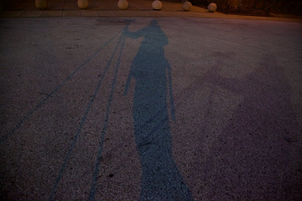 Photographer gets cold feet and multihued shadows.
